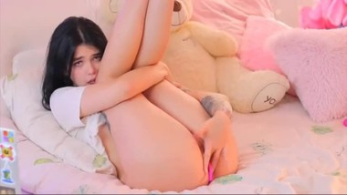 cute teen masterbates on cam
