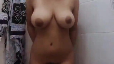 Pretty Indonesian Babe with Perfect Curve and Big Boobs