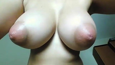 Super Sexy Tits - on Cam