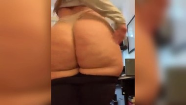 BBW girl shaking phat ass, what's her name? [reddit / Instagram / Snap]