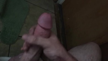 Young man has quick solo session before going to work