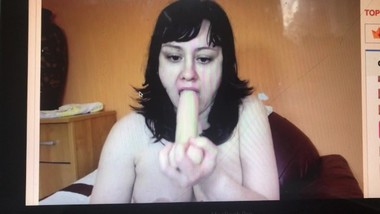 omegle WEBCAM CHUBBY TEEN FACEFUCK WITH LARGE DILDO