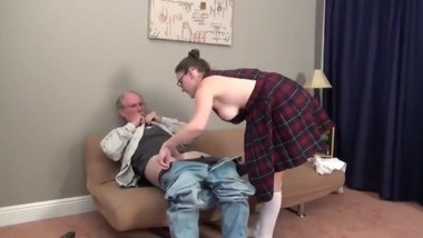18yo stepdaughter likes her 70yo stepdad on vacation