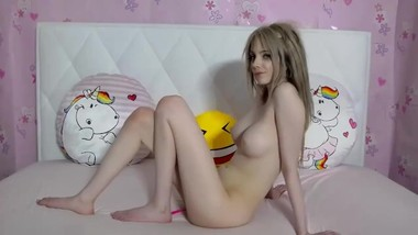 who is she? Hot Blonde Ohmibod