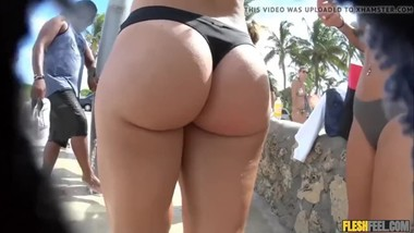 big round ass showering at the beach