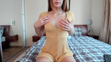 Petite brunette LONLA from London plays with herself on webc