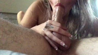 I love sucking dick while i sit on his face
