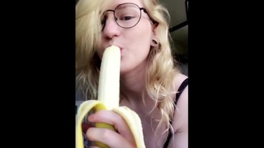 CUTE OnlyFans girl want's to SUCK DICK