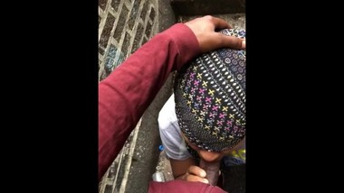 Ghetto Black Teen Public Head outdoor